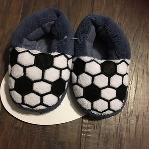 Other - New kids boy slipper size m(7/8)